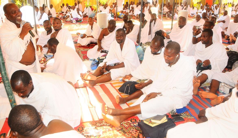 589 Osun pilgrims In Makkah 2A