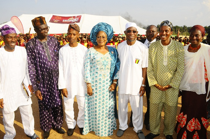Governor State of Osun, Ogbeni Rauf Aregbesola (4th right); his Deputy, Mrs Titi Laoye-Tomori (4th left); Chairman Omoluabi Delivery Sub-Committee, Mr Omotunde Young (left); Members of the Committee, Mr Ogundoro Oluwakayode (2nd right); Comrade Ibrahim Olayinka (3rd left); Alhaja Toibat Adebayo (right) and others, during the Official Launch of the Club., In commemoration of Aregbesola 3rd year Administration at the National Youth Service Corps ( NYSC) Orientation Camp Ede, State of Osun at the weekend