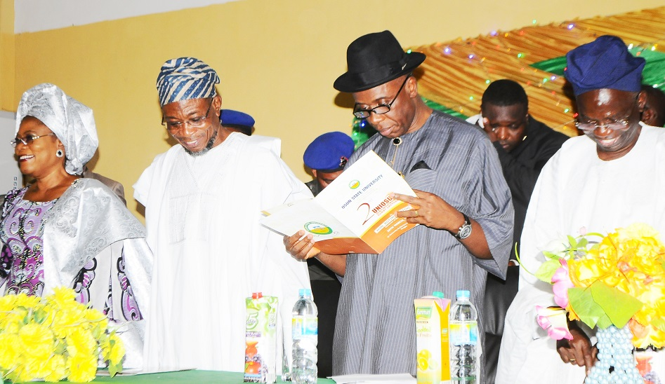 Governor State of Osun, Ogbeni Rauf Aregbesola(2nd left); Guest Lecturer, River State Governor, Hon.  Rotimi Amaechi (2nd right), Deputy Governor State of Osun, Mrs Titi Laoye -Tomori (left) and Pro-Chancellor/Chairman of Council Osun State University, Osogbo, Professor Gabriel Adesiyan Olawoyin, at the 2nd UNIOSUN Distinguished Guest lecture, held at the University Auditorium Main Campus, Osogbo, State of Osun on Wednesday 26/03/2014.
