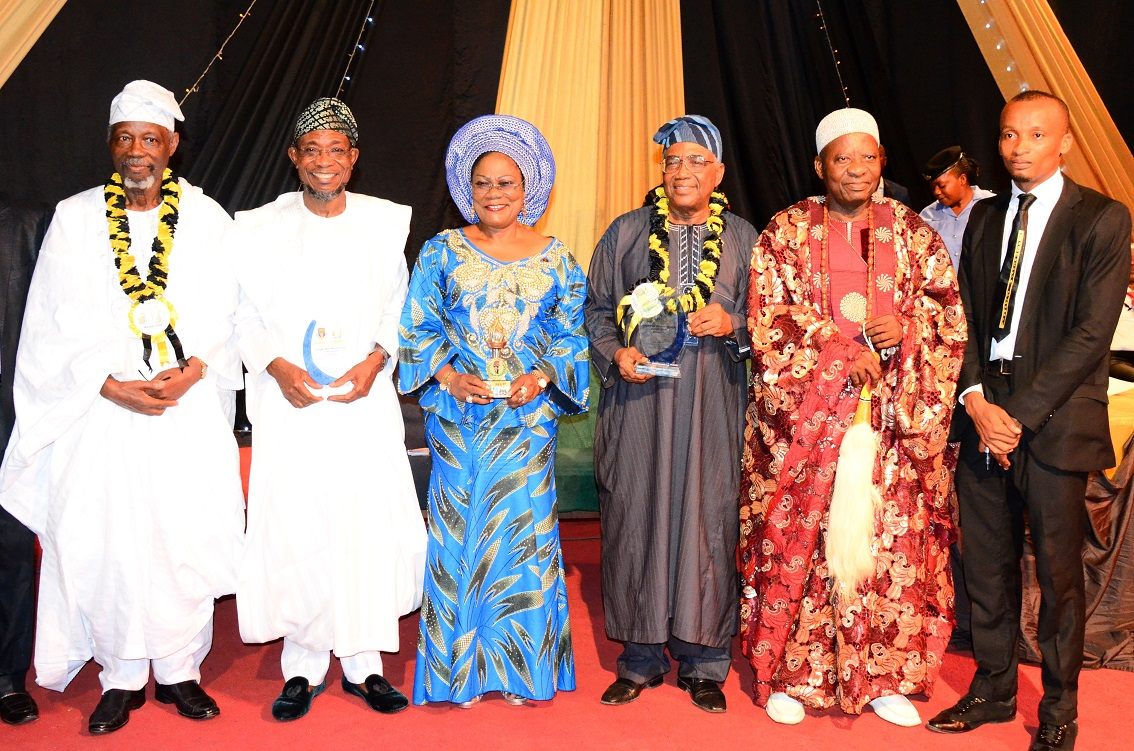 From left, Former, President International Court of Justice, Prince Bola Ajibola; Governor State of Osun, Ogbeni Rauf Aregbesola; his Deputy, Mrs Titi Laoye-Tomori; Chairman of the occasion, Professor Nurudeen Adedipe; Alara of Aramoko-Ekiti, Oba Adegoke Adeyemi and President Magnacuria Chambers, Mr Akinwole Ayodele, during the 6th Prince Bola Ajibola Annual Lecture Series at Obafemi Awolowo University, Ile-Ife on Wednesday