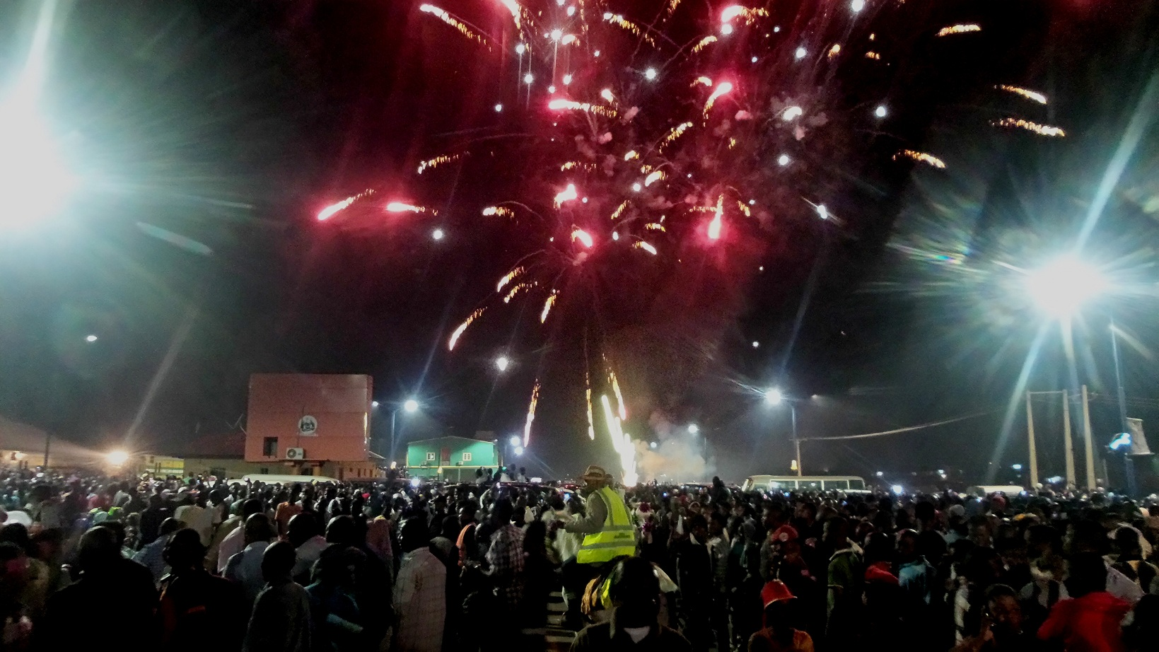 Display of  fireworks to herald New Year amidst pump and pageantry, courtesy the State Government, at the Freedom Park, Osogbo, State of Osun on Thursday 01-01-2015