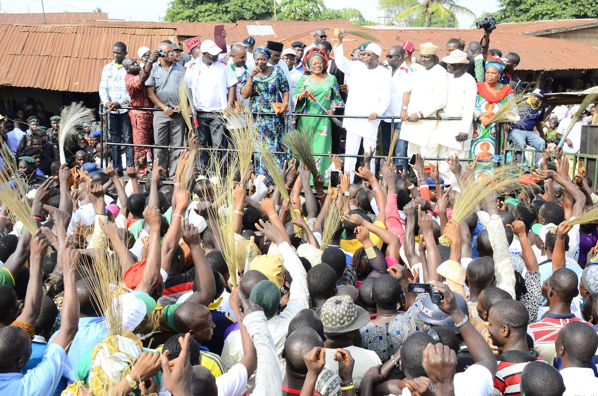 South-west Coordinator, Buhari/Osibajo Presidential Campaign, Governor Rauf Aregbesola (5th right); his deputy, Mrs. Titi Laoye- Tomori (5th left); Former Commissioner for Finance, Dr. Wale Bolorunduro (4th right); Former State APC Chairman, Elder Adelowo Adebiyi (3rd right); State Secretary, Alhaji Rasak Salinsile (2nd right); Women Leader, Alhaja Kudirat Fakokunde (right); Candidate for Federal House of Representatives in Oriade/Obokun Federal Constituency, Hon. Nathaniel Agunbiade (2nd left); Candidate for Oriade State Constituency in the State House of Assembly, Hon. Israel Tomi Aloba and others, during the Presidential/National and State House of Assemblies Campaigns Rally at Owena-Ijesa, Oriade Local Government Area, on Thursday 12/03/2015.