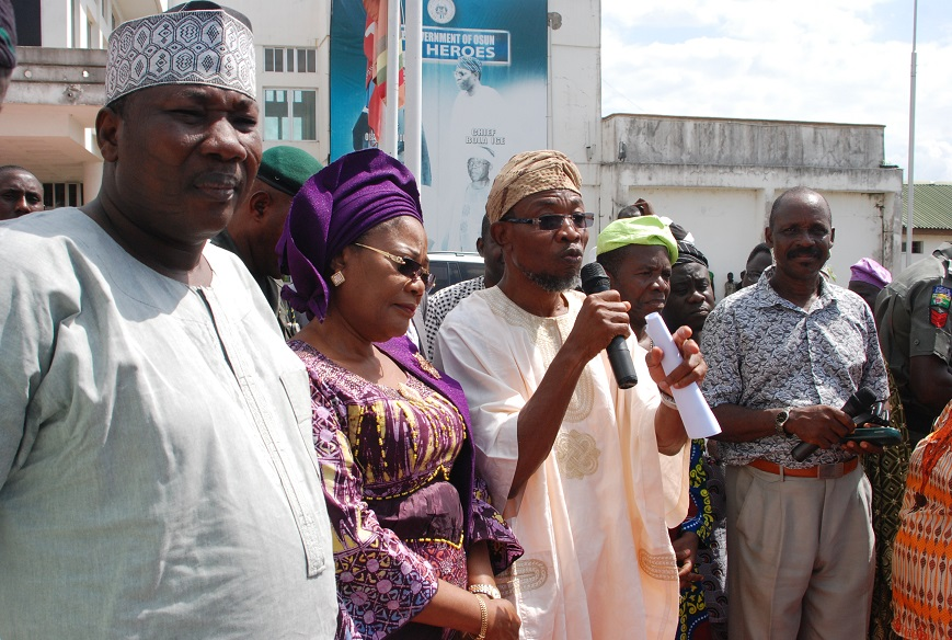 Governor State of Osun. Ogbeni Rauf Aregbesola (Middle), Speaker State of Osun House of Assembly, Hon Najeem Salaam (left), Deputy Governor of Osun, Mrs Titi-Laoye Tomori (2nd left), Chairman of The Triangular Group of Pensioners, Prince Rotimi Adelugba and Thr Group Coordinator, Mr Sunday Opadotun, during the Group's Solidarity Visit to  Rauf Aregbesola at his Governor Office, Abere, Osogbo on Monday 13_07_2015.