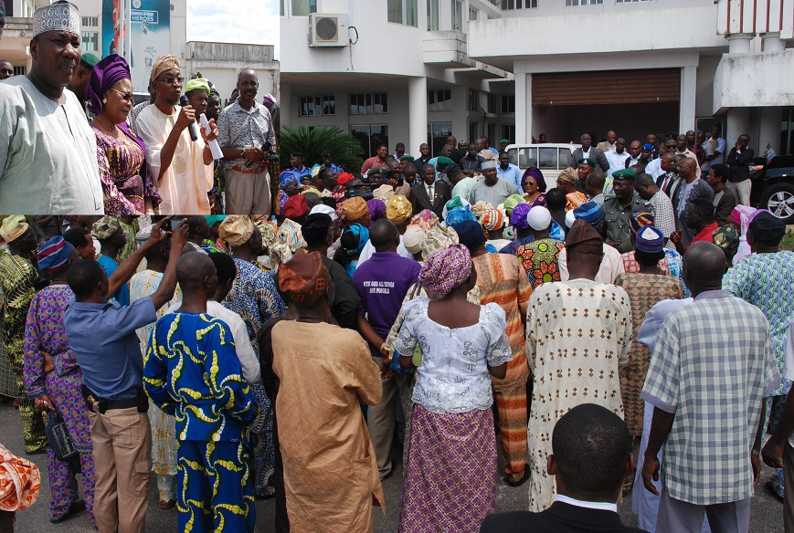 Governor State of Osun, Ogbeni Rauf Aregbesola ( Middle), Addressing the Triangular Group of Pensioners, during a Solidarity Visit to the Governor in his Office Abere, Osogbo on Monday 13_07_2015.