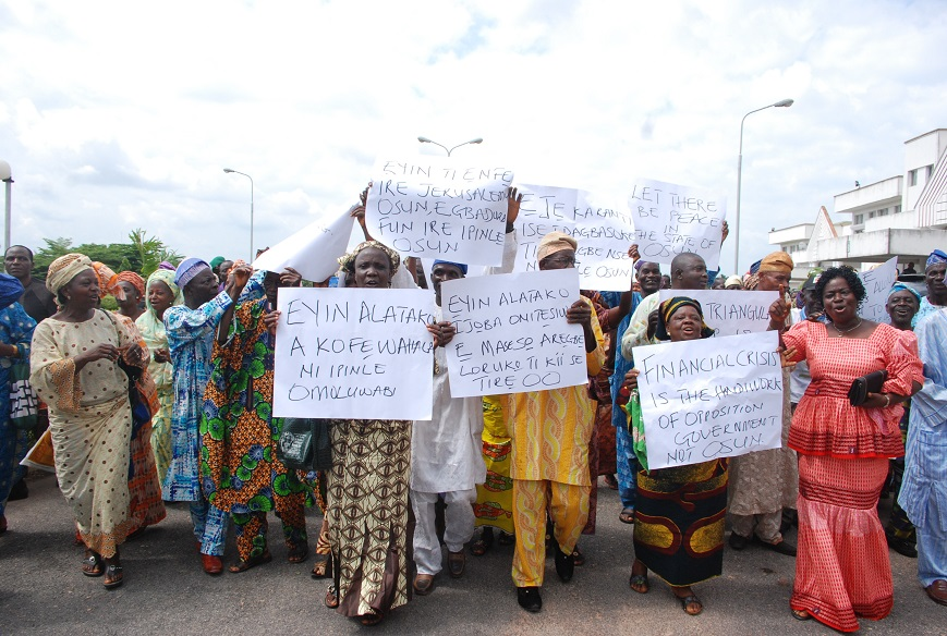 The Triangular Group of Pensioners in Osun pays Solidarity Visit to Governor Rauf Aregbesola, Abere, Osogbo on Monday 13_07_2015 .