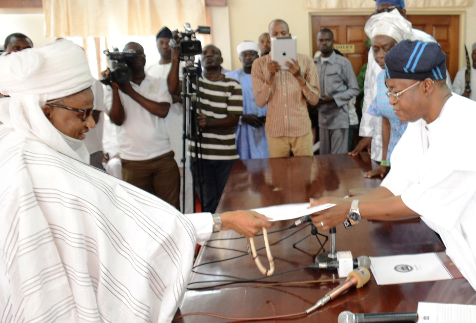 Chief of Staff to Osun Governor, Mr. Gboyega Oyetola, collecting a condolence letter on behalf of the governor from Chairman, National Council of Traditional Rulers of Nigeria, Alh.(Dr.) Yahaya Abubakar, the Etsu Nupe, at the Governors office,Abere, Osogbo on Wednesday 27-08-2015
