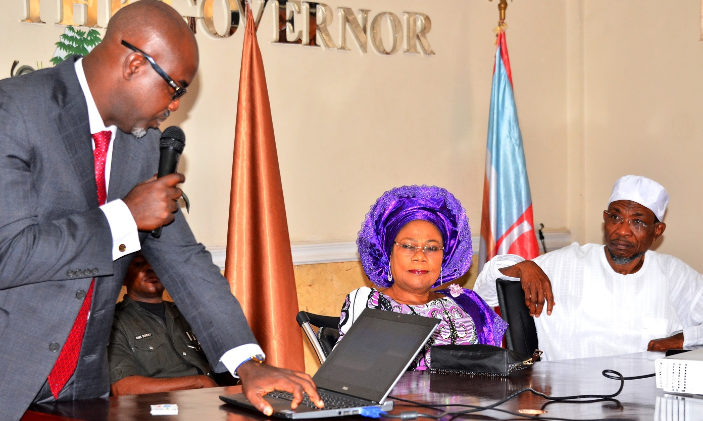 From right- Governor State of Osun, Ogbeni Rauf Aregbesola; his Deputy, Mrs. Titi Laoye-Tomori  and Managing Director CBC Energy Limited, Mr. Kunle Oderinu, during a courtesy visit to the Governor by the Management Team of C.B.C Hydro-Power Project, at Governor's Office, Abere, Osogbo on 22/09/2015.
