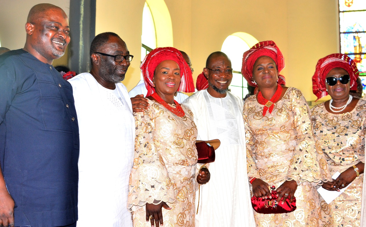 Governor State of Osun, Ogbeni Rauf Aregbesola (3rd right); Former Osun Deputy Governor, Mrs. Erelu Olusola Obada (right), Speaker House of Assembly,  Lagos State, Hon. Mudashir  Obasha (left), Mrs. Mojisola Apara (3rd left), Mrs Lolade Adeoye (2nd right) and Director General Office of Economic & Partnerships, Dr. Charles Akinola (2nd left), during the Funeral Service of Chief Albert Olokunle Apara, at Cathedral Church of St. John Iloro, Ilesa, State of Osun, on Friday 23/10/2015.