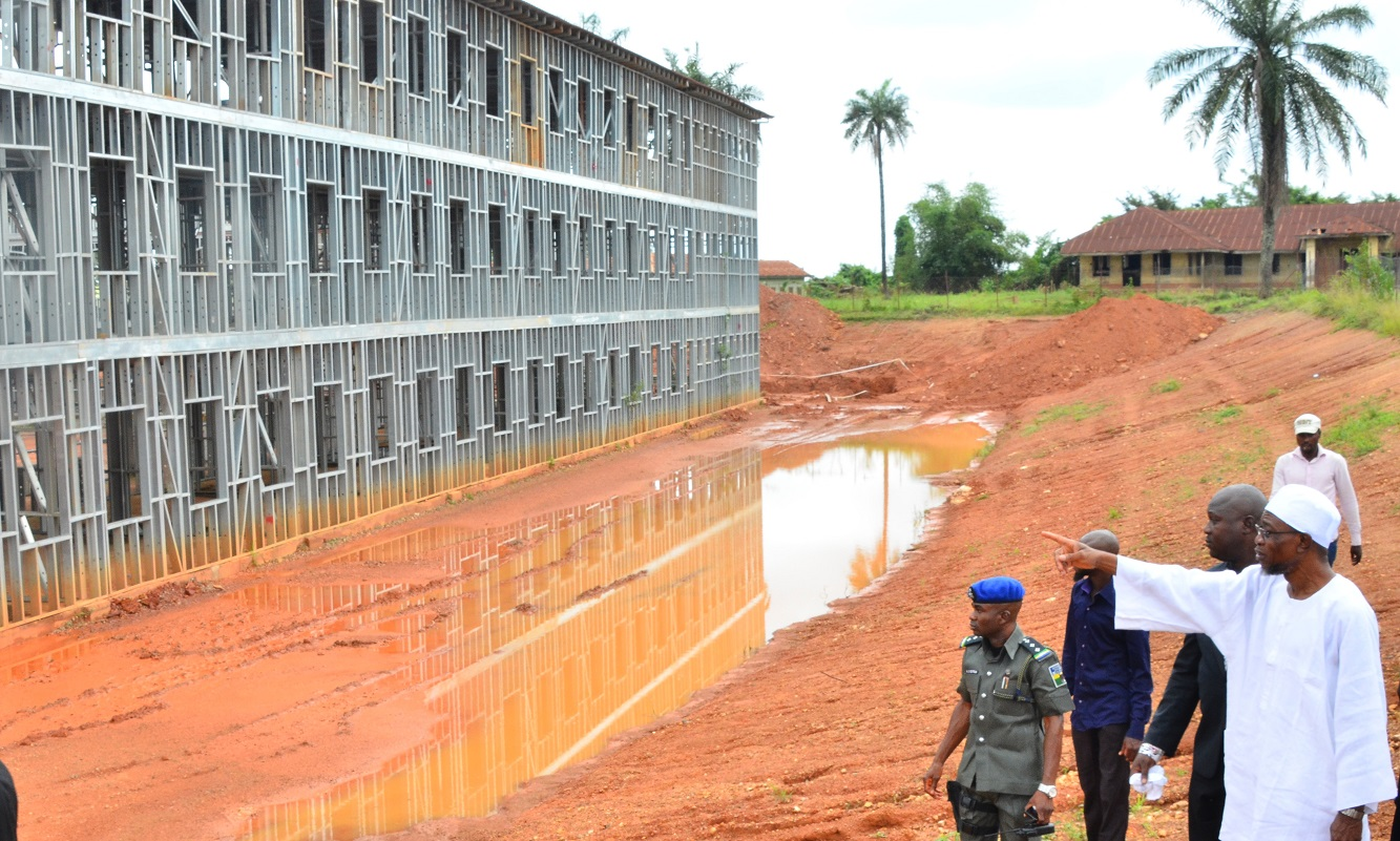Governor State of Osun, Ogbeni Raruf Aregbesola, Inspecting the on-going construction site of Osogbo High School on Monday 19-10-2015.