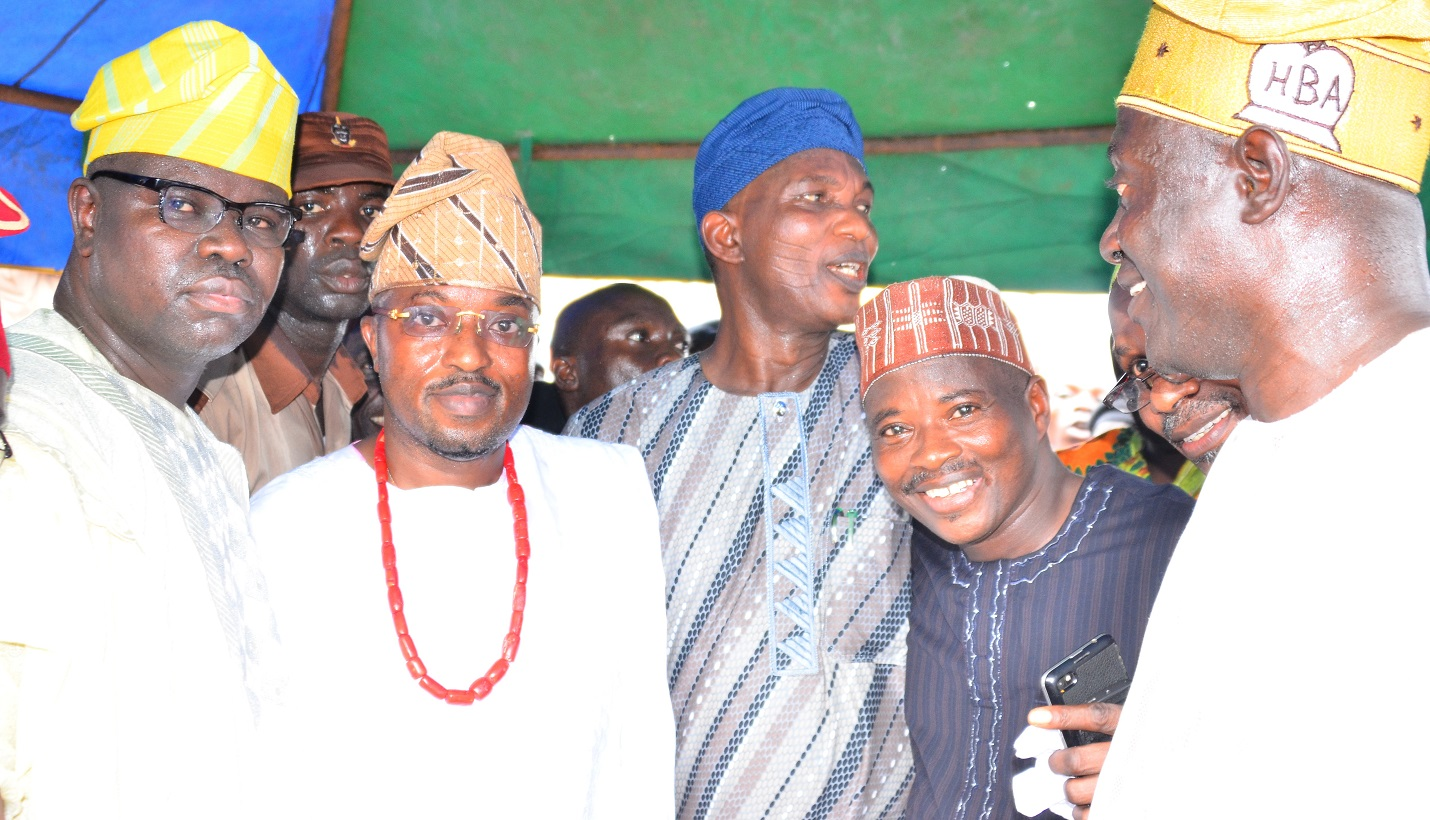 Newly installed Oluwo of Iwo, Oba Rasheed Adewale Akanbi (2nd left); Secretary to Osun Government, Alhaji Moshood Adeoti (3rd left); Director of Bureau of Communication and Strategy Office of the Governor, Mr. Semiu Okanlawon ( left); Former House of Assembly Member, Hon Esikiel Adedibu (2nd right) and others, during the Turbaning/Installation of the new Oluwo of Iwo, at Oluwo Palace, Iwo, State of Osun on Monday 9/11/2015.