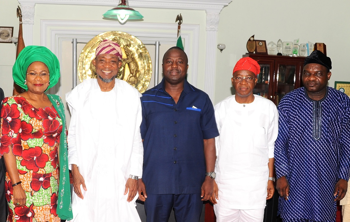 Governor State of Osun, Ogbeni Rauf Aregbesola (2nd left); his Deputy, Mrs Titi Laoye-Tomori (left); World Bank Representative, Dr Dele Ogunbayo (3rd right); Chief of Staff to the Governor, Alhaji Gboyega Oyetola (2nd right); Permanent Secuctary Health, Dr Temitope Oladele (right), during the World Bank's Official's visit to the governor in his office on their mission to Osun on Quality of Services Assessments and Resource Tracking Students in Nigeria, at the weekend
