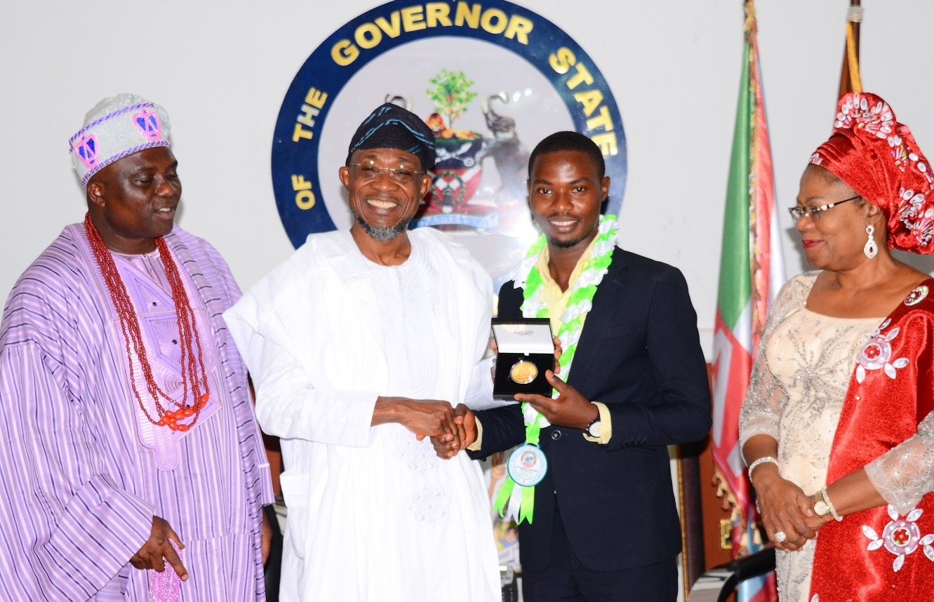 Governor State of Osun, Ogbeni Rauf Aregbesola (2 left); his Deputy, Mrs. Titi Laoye-Tomori (right), Aragbiji of Iragbiji, Oba Abdul-Rasheed Olabomi (left) and an indigene of Osun and an Overall Best Graduate of the University of Ibadan, Dr. Olayinka Olamide Sodiq (2nd right), during a courtesy call to the Governor, at the Government House, Osogbo, State of Osun, on Friday 11-12-2015.