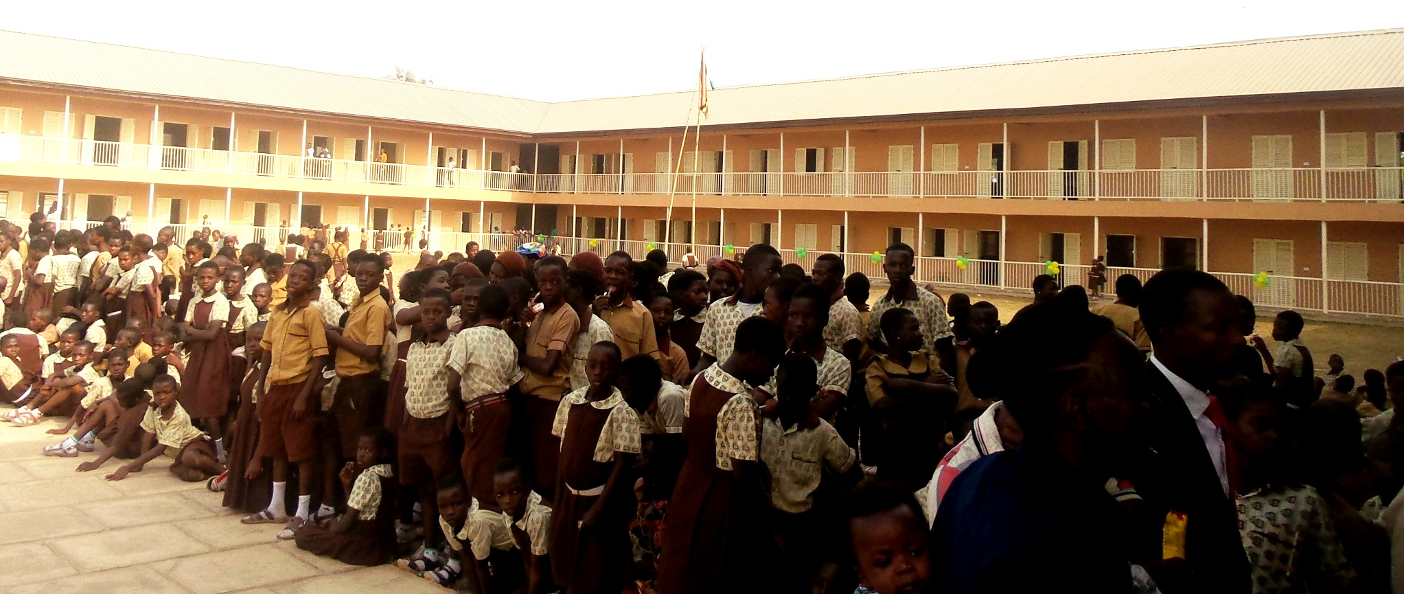 The newly commissioned Olufi Government Middle School with the Students, during the commissioning in Gbongan, State of Osun.