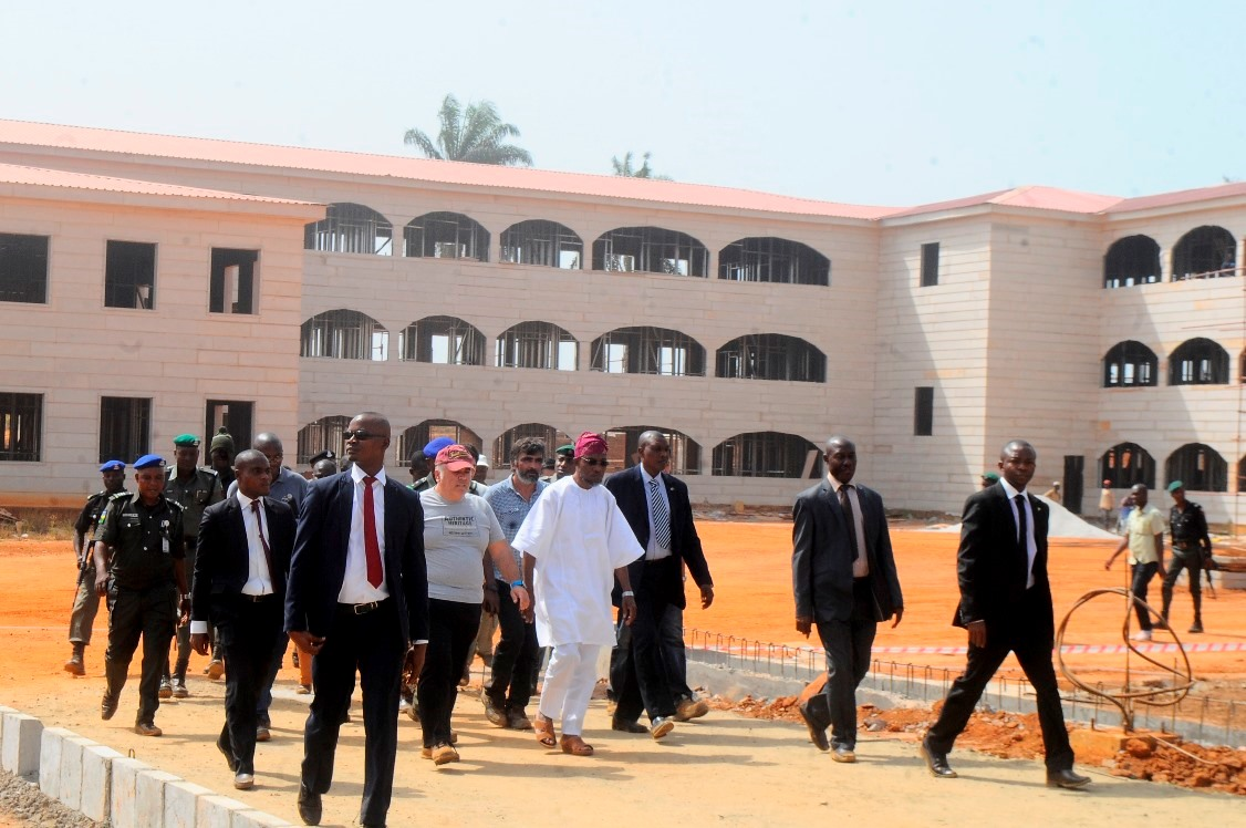 Governor State of Osun, Ogbeni Rauf Aregbesola, addressing the Students of CAC Middle School 1 and 2 Araromi, dring the an inspection of the on going Construction of CAC Middle School Araromi, Osogbo. on Wednesday 9-12-2015.