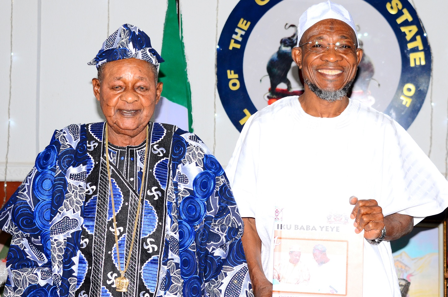 Governor State of Osun, Ogbeni Rauf Aregbesola and the Alaafin of Oyo, Oba Lamidi Olayiwola Adeyemi, after being conferred with the title of Omoluabi of Yorubaland by the Paramount ruler, at Government House, Osogbo, on Tuesday 05/1/2016.