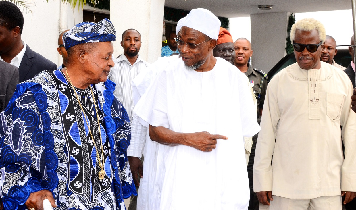 Governor State of Osun, Ogbeni Rauf Aregbesola (middle), the Alaafin of Oyo, Oba Lamidi Olayiwola Adeyemi (left),and Engineer Omon Uduokhai (right),during the conferment of Omoluabi of Yorubaland title on Aregbesola by Alaafin,at Government House, Osogbo,on Tuesday 05/1/2016.