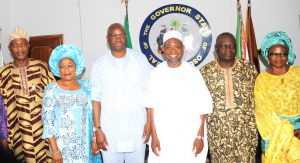 Governor State of Osun, Ogbeni Rauf Aregbesola (3rd right); Governor Ekiti State, Dr Ayodele Fayose (3rd left); Deputy Governor State of Osun, Mrs Titi Laoye-Tomori (2nd left); Former Governor Osun State, Prince Olagunsoye Oyinlola (2nd right); Secretary to the State Government of Osun, Alhaji Moshood Adeoti (left);Ekiti State Secretary to the Government, Dr (Mrs) Modupe Alade (right). during the Courtesy visit to the governor state of osun on issue of Uniting the Yoruba race. at the Government house Osogbo, on Tuesday 26-1-2016.