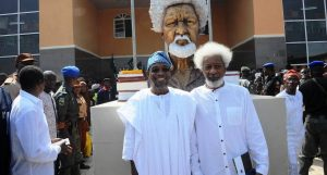 Governor-Aregbesola-stood-with-Prof.-Soyinka-during-commissioning-of-Wole-Soyinka-High-School-Ejigbo