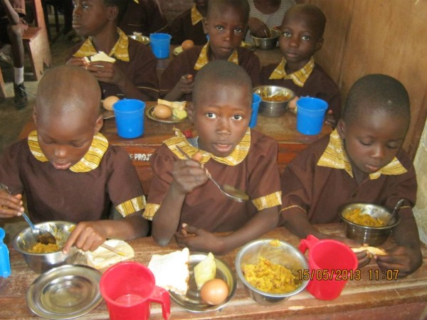 some-of-the-253000-elementary-school-pupils-enjoying-their-nutritious-meal-on-a-school-day-in-the-state-of-osun